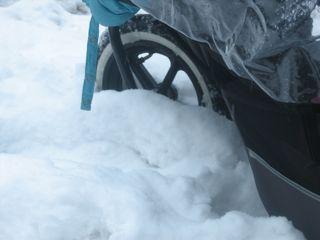 stroller-in-snow.jpg