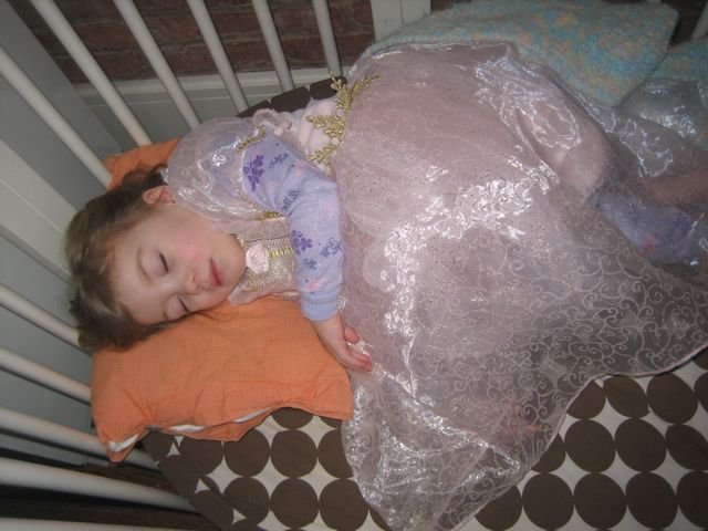 summer-sleeping-in-princess-dress