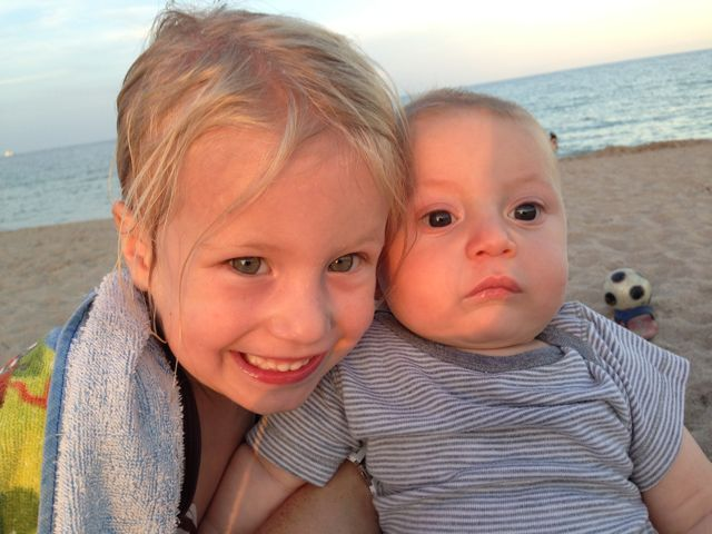 harlowe and cash at beach