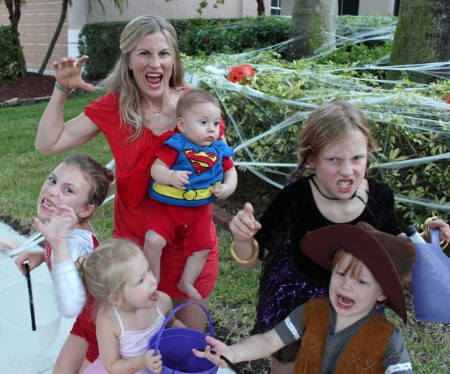 halloween kids with mom scary