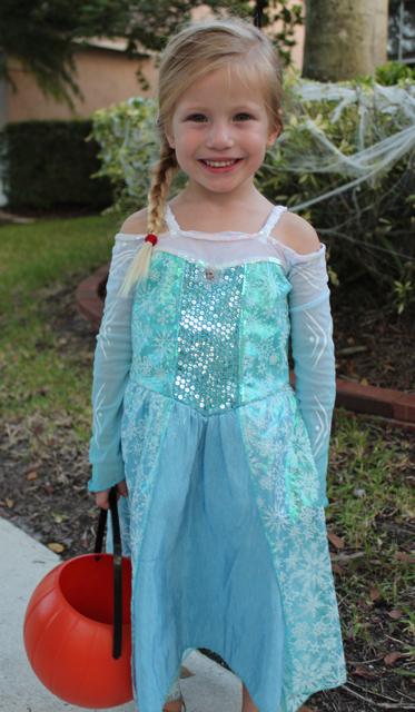 halloween Elsa
