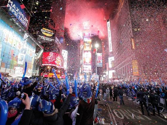 2D10976631-today-131230-times-square-new-years.blocks_desktop_medium