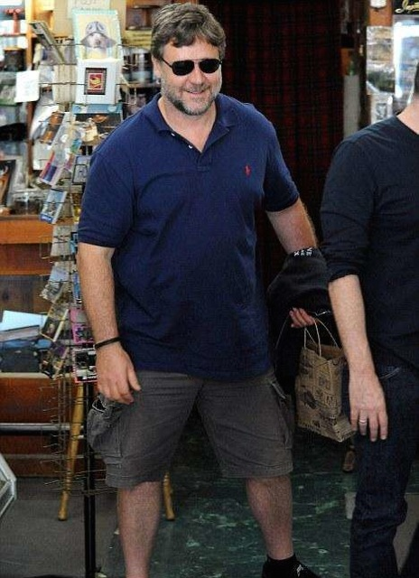 Russell Crowe pregnant